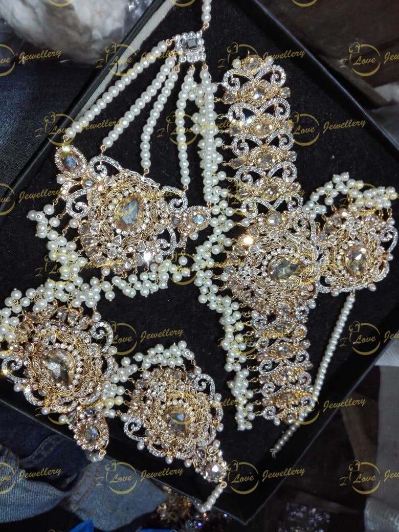 Pakistani choker - pearl choker - mehndi choker - bridal chokers - wedding choker necklace- golden choker - wholesale Pakistani jewellery - bespoke Pakistani jewellery