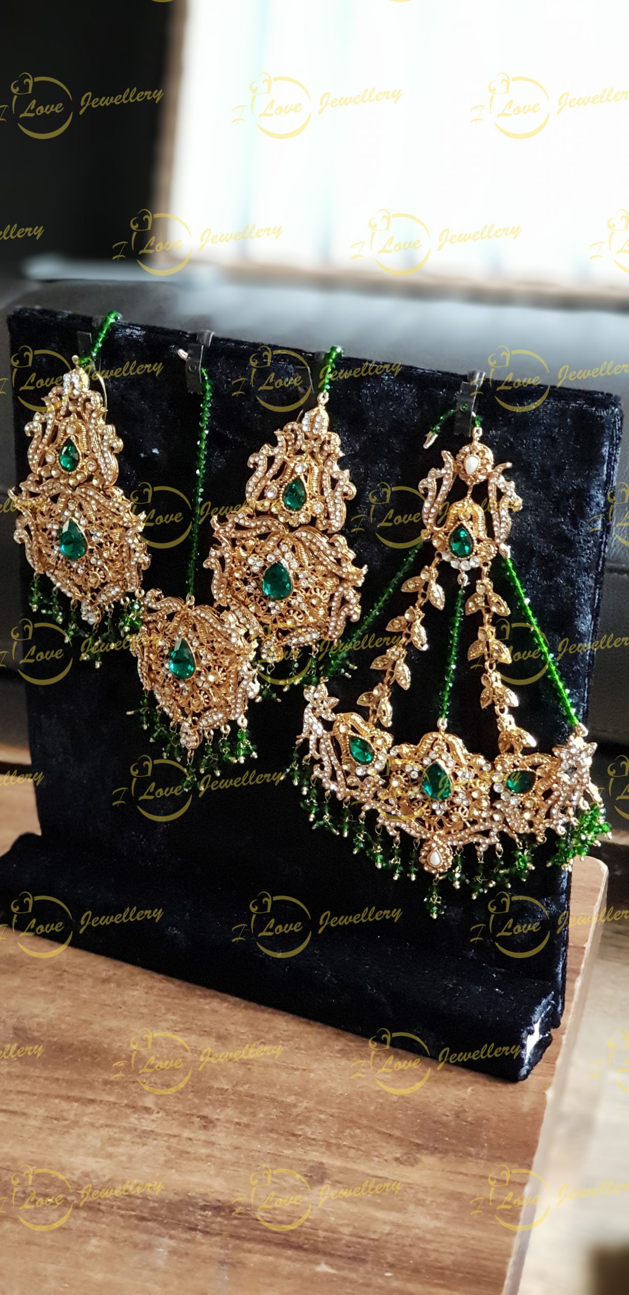 jhoomar tikka earrings set - bridal jewellery - wholesale Pakistani jewellery - bespoke Pakistani jewellery