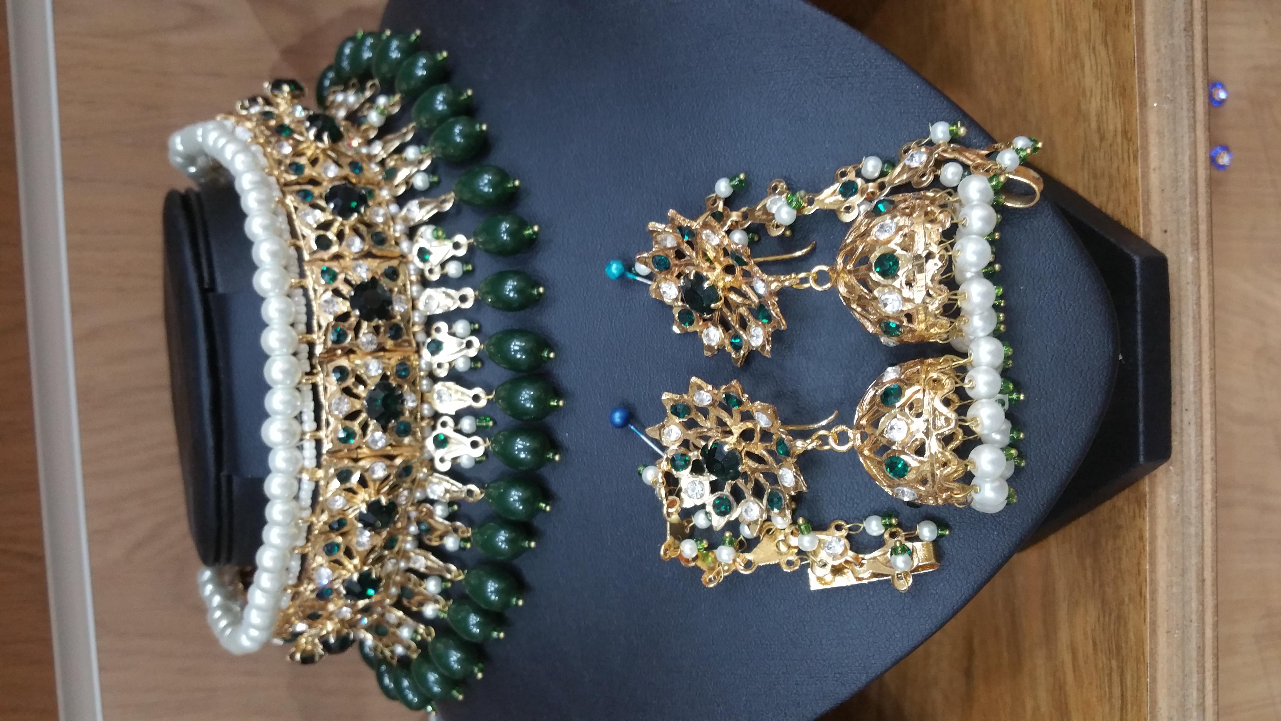 hydrabadi choker - green choker - wholesale Pakistani jewellery - bespoke Pakistani Jewellery